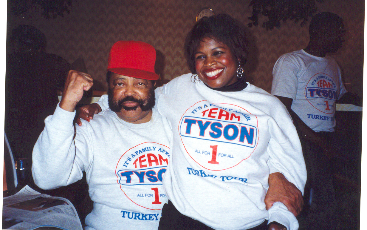 Rev Hosea Williams & Jackie Smith at Don King-Mike Tyson Turkey Tour Atlanta.jpg