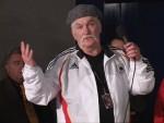 Ruiz trainer Norman Stone disapproves of Valuev win at postfight presser in Berlin.jpG